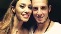Мария Илиева се гушка с 20-годишен