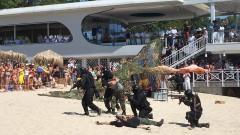 Демонстрации на ВМС изненадаха плажуващите във Варна
