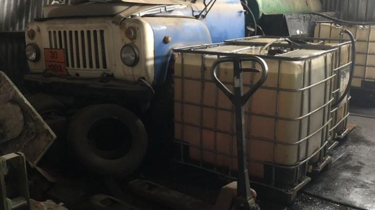 Столични митничари са задържали около 9000 л гориво без документи,
