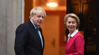 Брекзит: Джонсън отива в Брюксел, Лондон размаха маслинова клонка