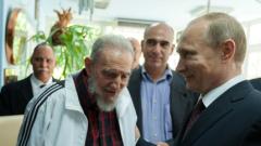 Путин и Фидел Кастро обсъдиха международната политика