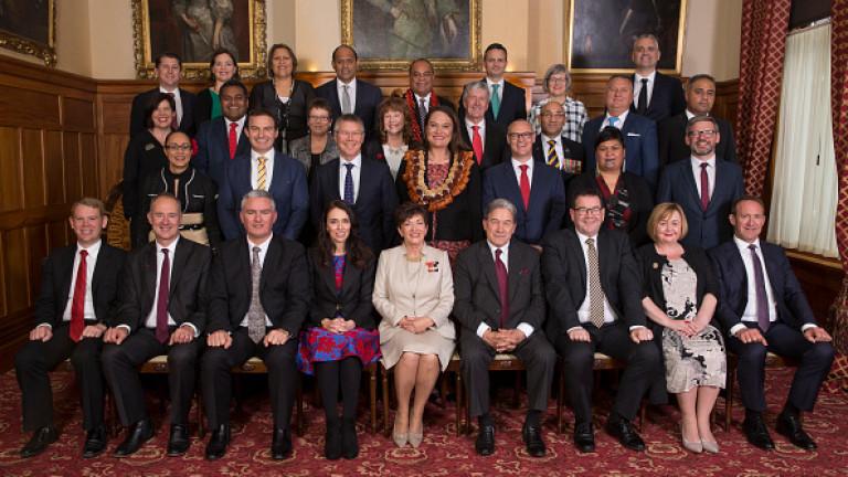 Нова Зеландия с най-младия лидер от 150 г.