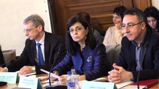 Кунева обеща много нови и важни неща да се случат в образованието