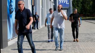 """Пари в Левски няма, """"сините"""" се надяват на отсрочка от УЕФА"""