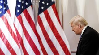 """Тръмп: Китай """"контролира"""" военната промишленост на САЩ"""