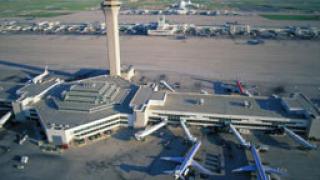 Самолет излезе от пистата в Денвър, 38 пасажери бяха ранени