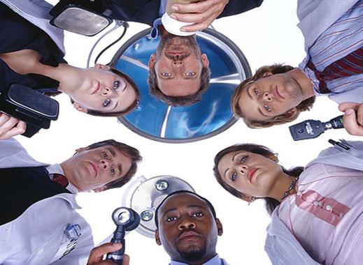 Масови проверки сред болнците