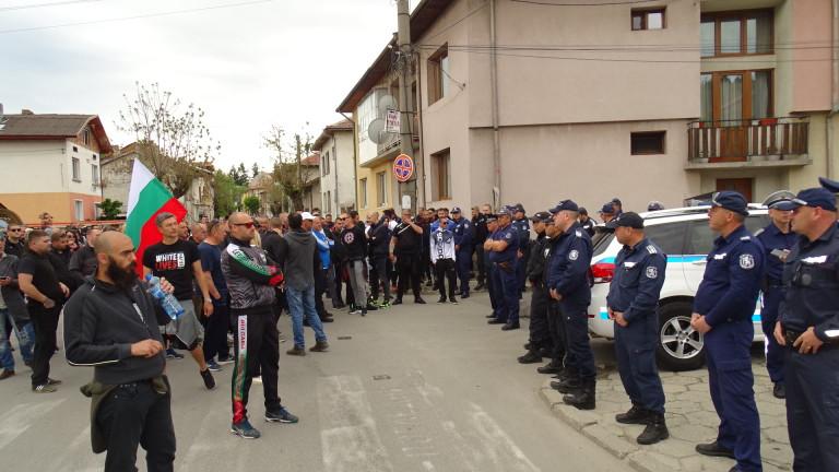 Напрежение в Разлог заради масов бой, при който група мъже