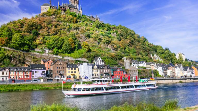 Плаващите лодки и кораби по река Рейн изчезнаха напълно през