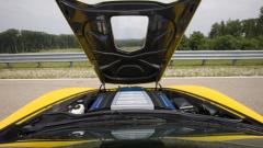 Вижте в 3 минути как се сглобява V8 моторът на ZR1