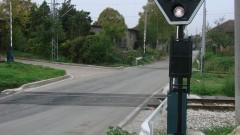 Обърнат тир пламна върху жп линия в Търновско