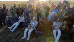 Двама руснаци и американец от екипажа на МКС успешно се върнаха на Земята