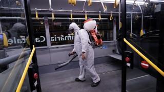 Страната, станала огнище на вируса в Източна Европа, отваря икономиката си. Но нищо няма да е същото