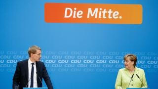 Меркел: Макрон носи надежда на милиони французи и европейци