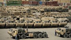 Планът на Тръмп да напълни света с американско оръжие засега е успешен