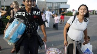 Франция остава непреклонна за незаконните имигранти