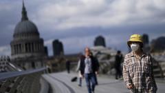 Дългът на Великобритания надхвърли 100% от БВП за първи път от 50 години насам