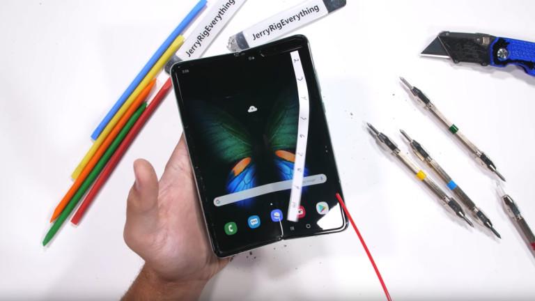 Колко сгъваеми телефона продаде Samsung