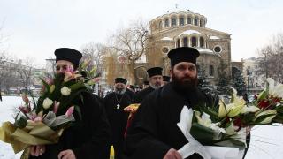 Църковните камбани оповестиха 138 години от освобождението на София от турците