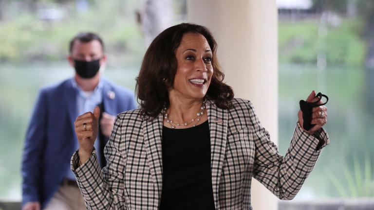 Колко печели Камала Харис като вицепрезидент на САЩ и на колко се оценява състоянието ѝ?