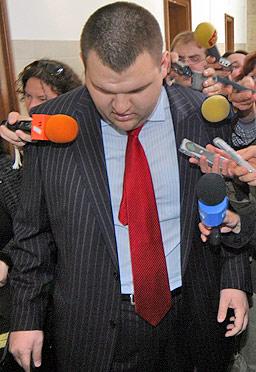 Хиляди подготвят протести срещу избирането на Пеевски за шеф на ДАНС