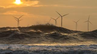 Гръцки компании с иновации във вятърните паркове в морето