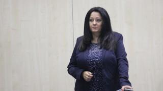 Павлова мобилизира студенти да помагат за председателството