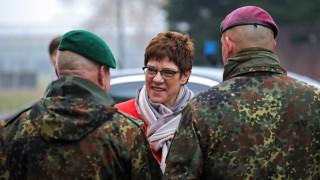Германският министър на отбраната на работно посещение  у нас