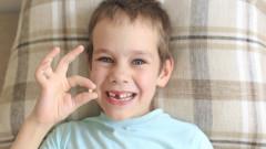Какви чувства изпитва детето, когато му падне първото зъбче