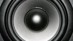 Радиа и телевизии масово не плащат за авторско право