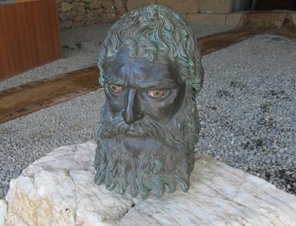 Археолози по спешност инспектираха гробницата на Севт III
