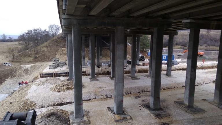 До края на май ще завърши ремонтът на носещите колони