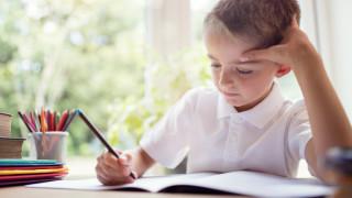 """КТ """"Подкрепа"""" твърдо против деца и учители да се връщат в класните стаи"""