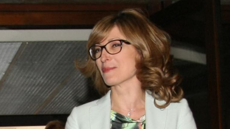 Екатерина Захариева пристигна във Варшава за участие в срещата на Б 9