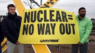 Еколози блокират най-радиоактивния влак в света