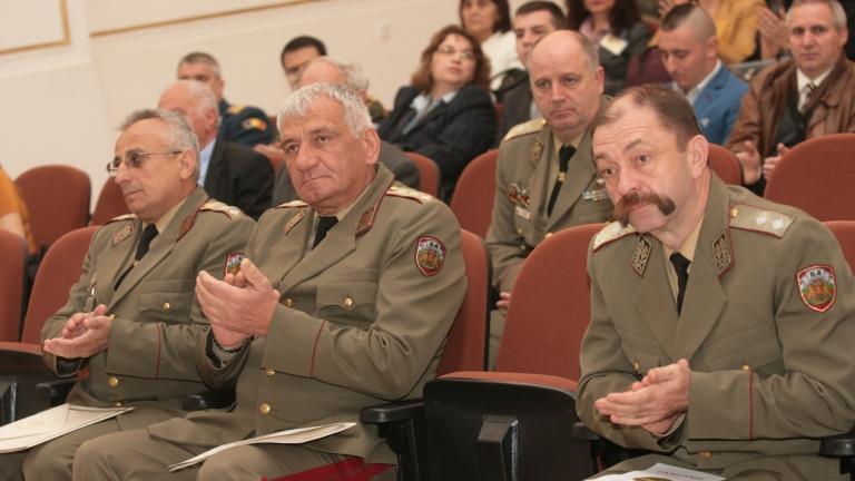 Ръководството на армията поздрави бойците ни зад граница