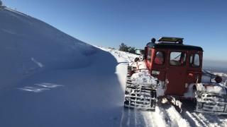 Започна разчистването на снега в Троянския проход
