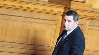 Психотест за ген. Радев, Москов и депутатите поиска патриотът Байрактаров