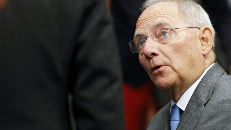 Изборите във Франция представляват риск за световната икономика според Шойбле