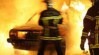 Джип изгоря при пожар в Добрич