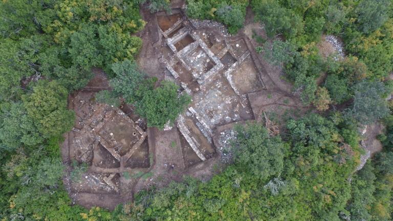 """НИМ приключи разкопки на уникална сградата в крепостта """"Балък дере"""""""