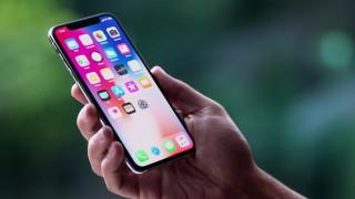 Решение на Apple потопи акциите на производители на дисплеи