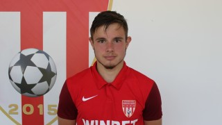 Дилян Георгиев подписа първи професионален договор с Царско село