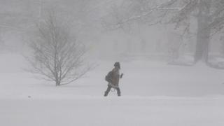 Силен снеговалеж отмени над 2000 полета в САЩ
