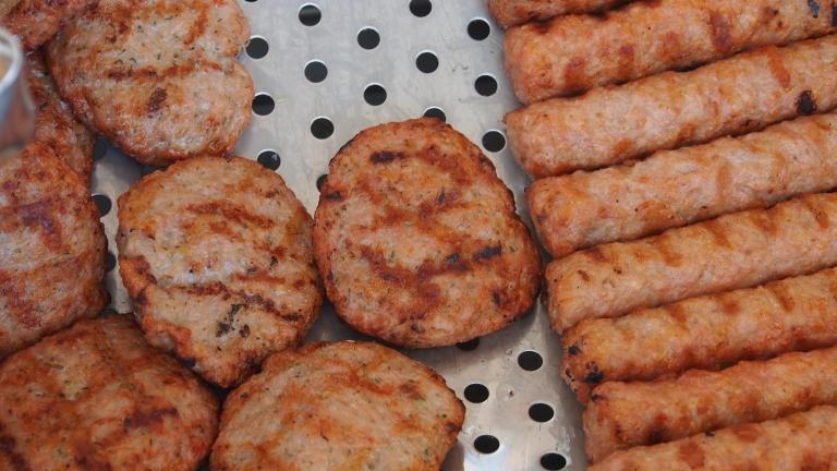 Тоновете негодно месо от Плевен стигнали до магазините като кебапчета и кюфтета