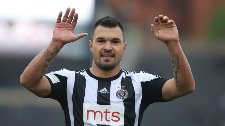 Бившият футболен национал Валери Божинов даде интервю за gazzetta.gr. В