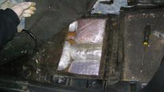 Откриха над 27 кг марихуана в тайник под скоростен лост