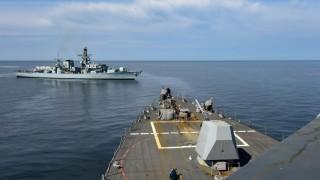 Десантен кораб на Полша получи пробойна при учения на НАТО в Балтийско море
