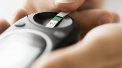 Министър Ананиев похвали гореща телефонна линия за инсулин