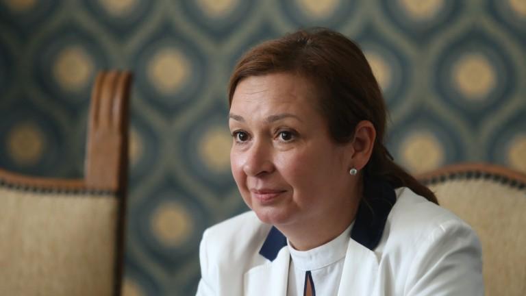 Предлагат Зорница Русинова за председател на Икономическия и социален съвет